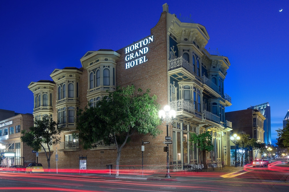 hotel meeting san diego With 11,000 sq feet of flexible space, 9 distinct indoor & outdoor venues, a/v equipment & event planners, we deliver the perfect san diego meeting rooms.