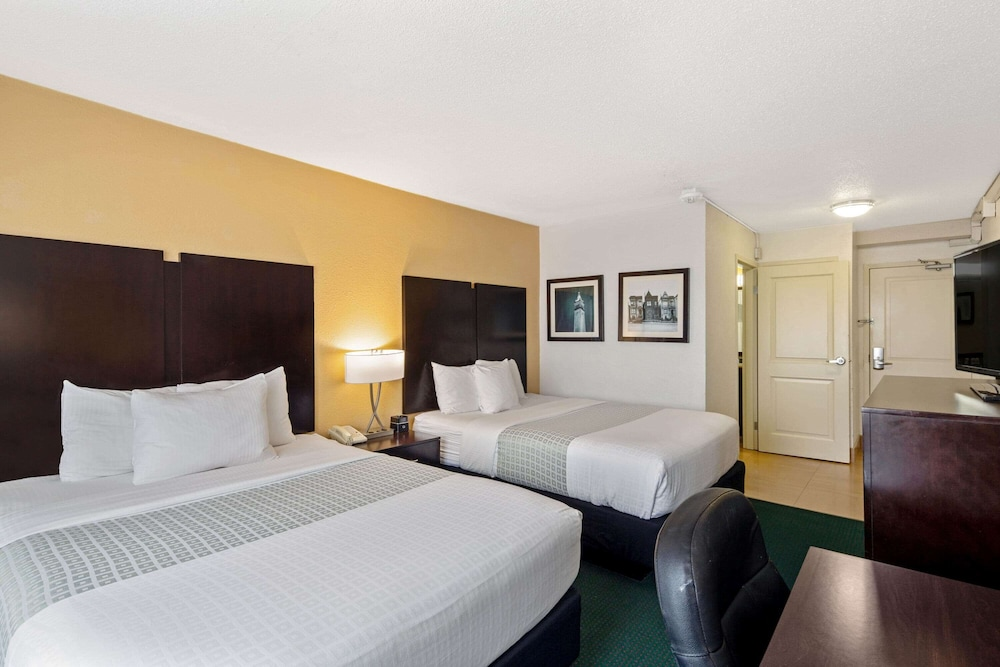 Room, La Quinta Inn by Wyndham Berkeley