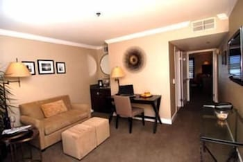 Living Area, Cupertino Hotel