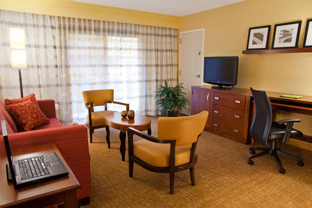 Room, Courtyard by Marriott Spokane Downtown at the Convention Ctr