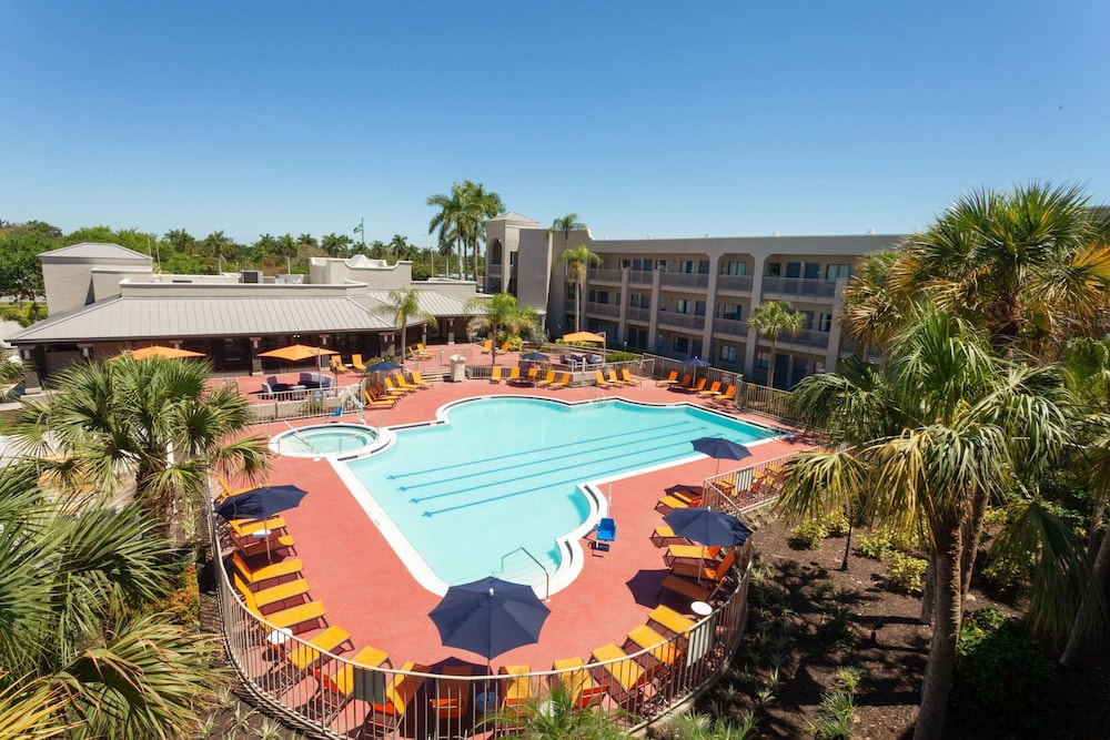 Featured Image, La Quinta Inn & Suites by Wyndham Ft. Myers-Sanibel Gateway