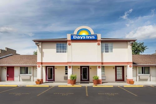 Days Inn by Wyndham Plymouth