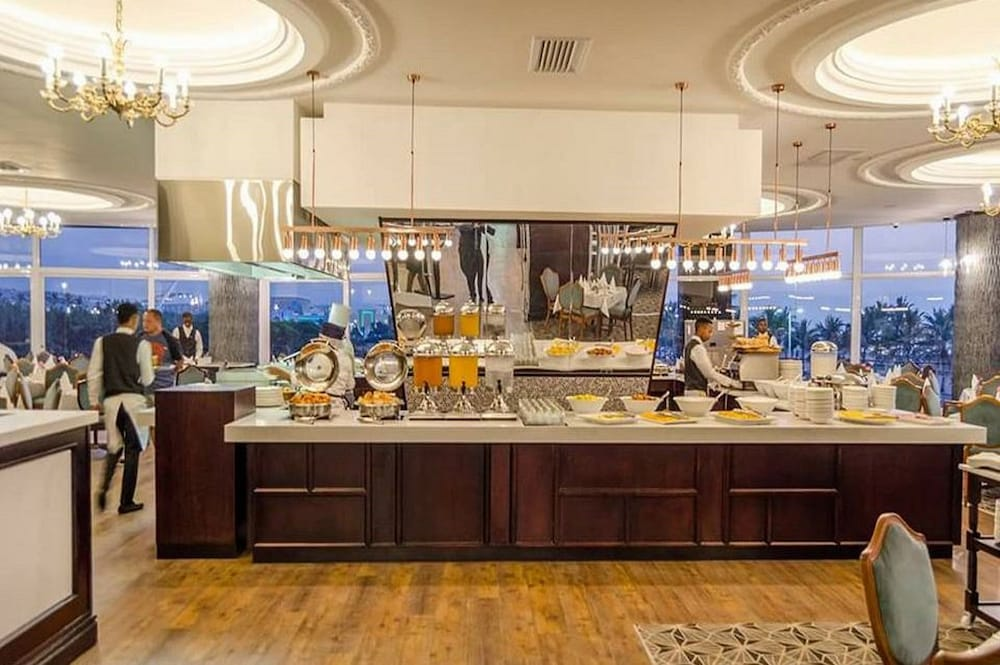 Buffet, The Blue Waters Hotel