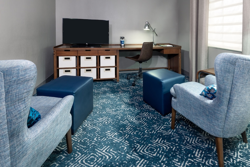 Living Area, Four Points by Sheraton Huntsville Airport