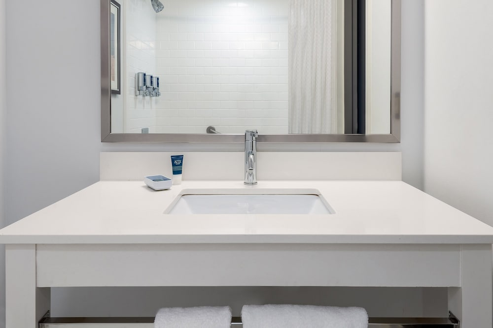 Bathroom, Four Points by Sheraton Huntsville Airport