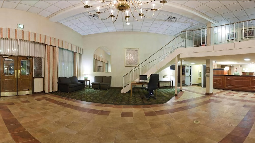 Clarion Hotel Campus Area In Eau Claire Rates Reviews On Orbitz