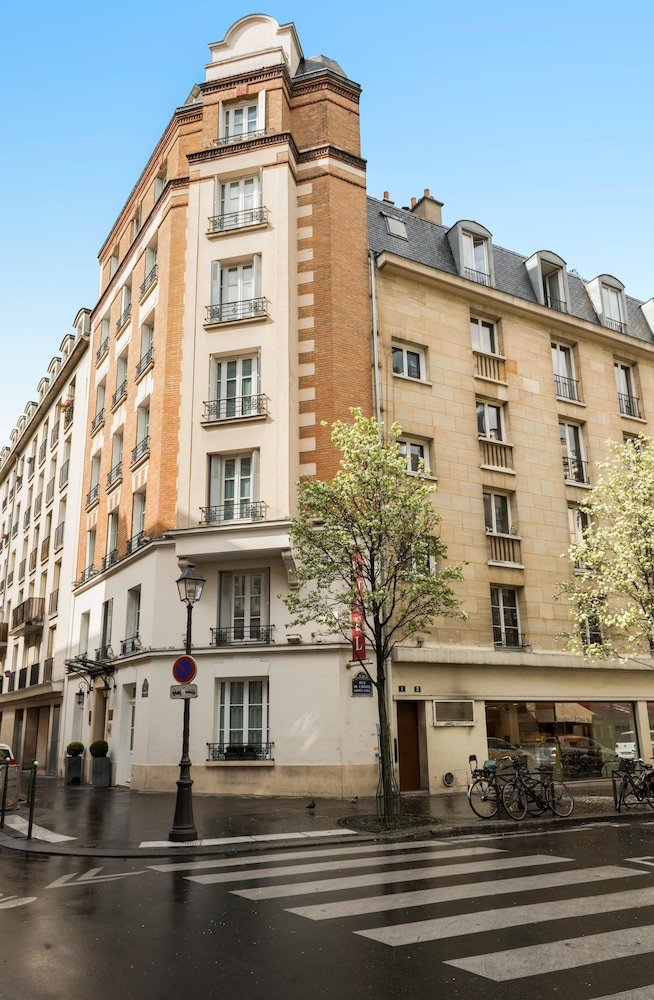 Book h tel de neuve le marais by happyculture paris for Deal hotel paris