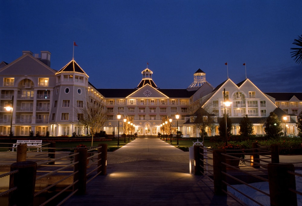 Front of Property - Evening/Night, Disney's Yacht Club Resort