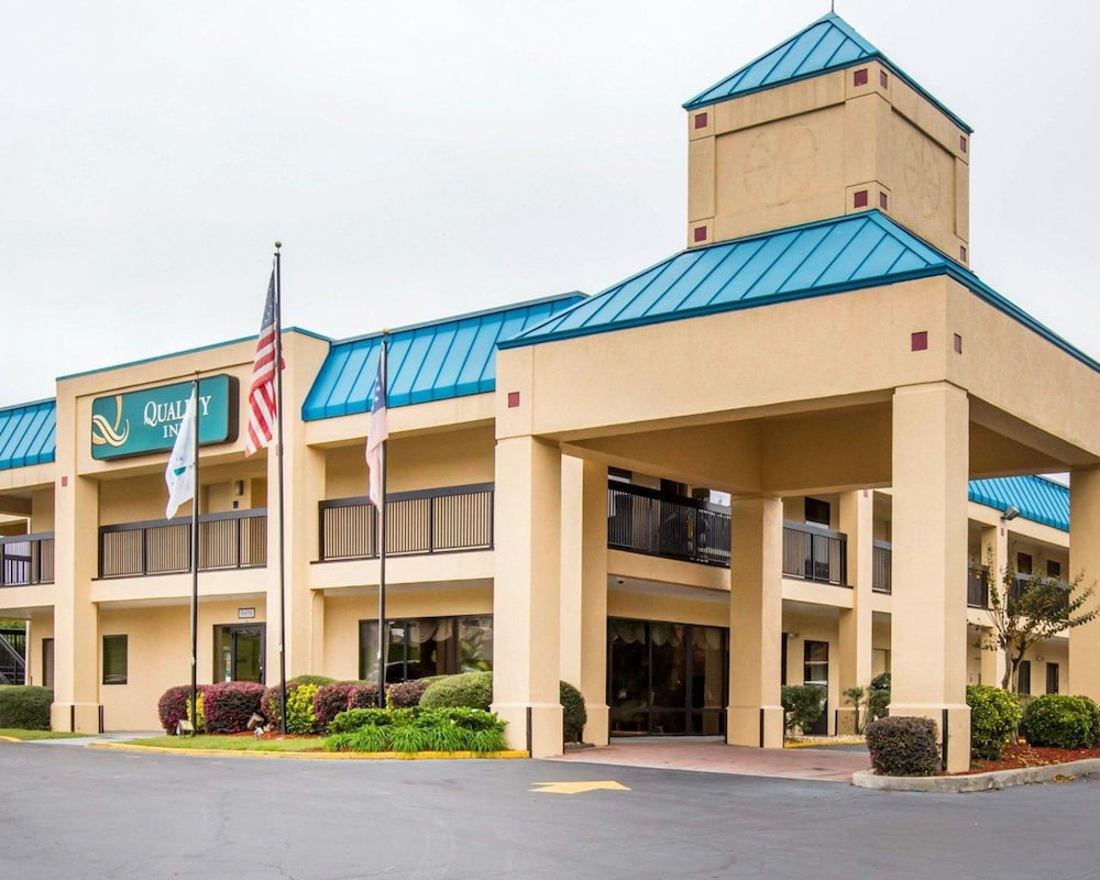 Featured Image, Quality Inn near Six Flags