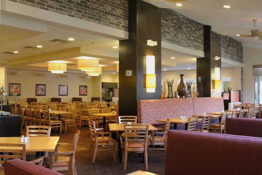 Restaurant, Rosen Inn International