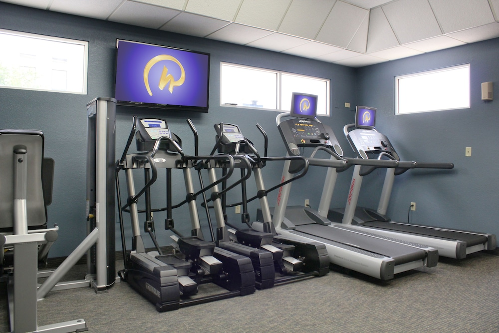 Fitness Facility, Rosen Inn International