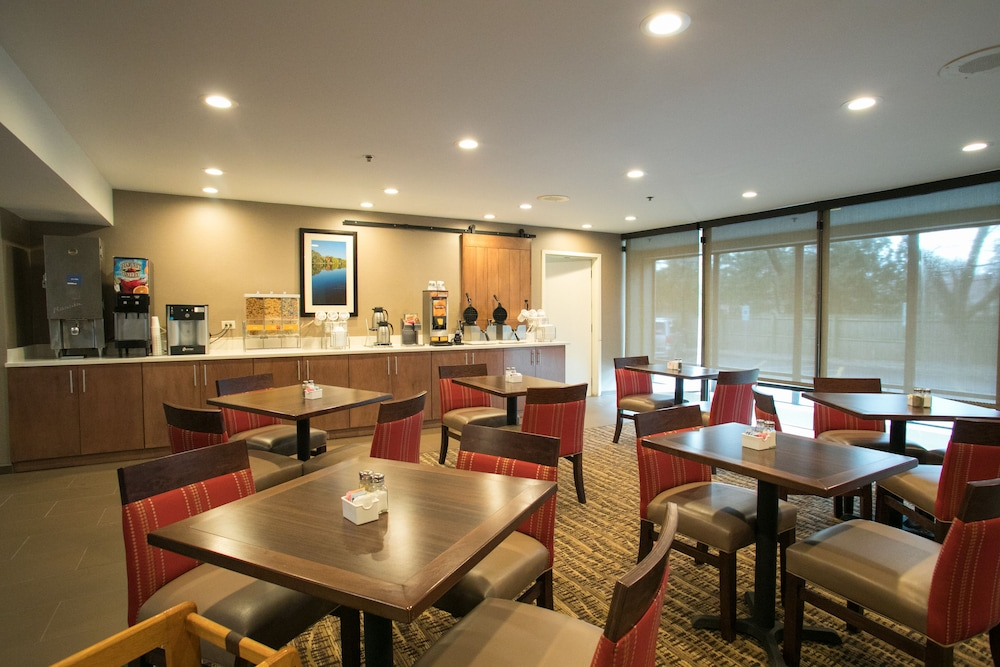 Breakfast Area, Comfort Suites Oakbrook Terrace near Oakbrook Center