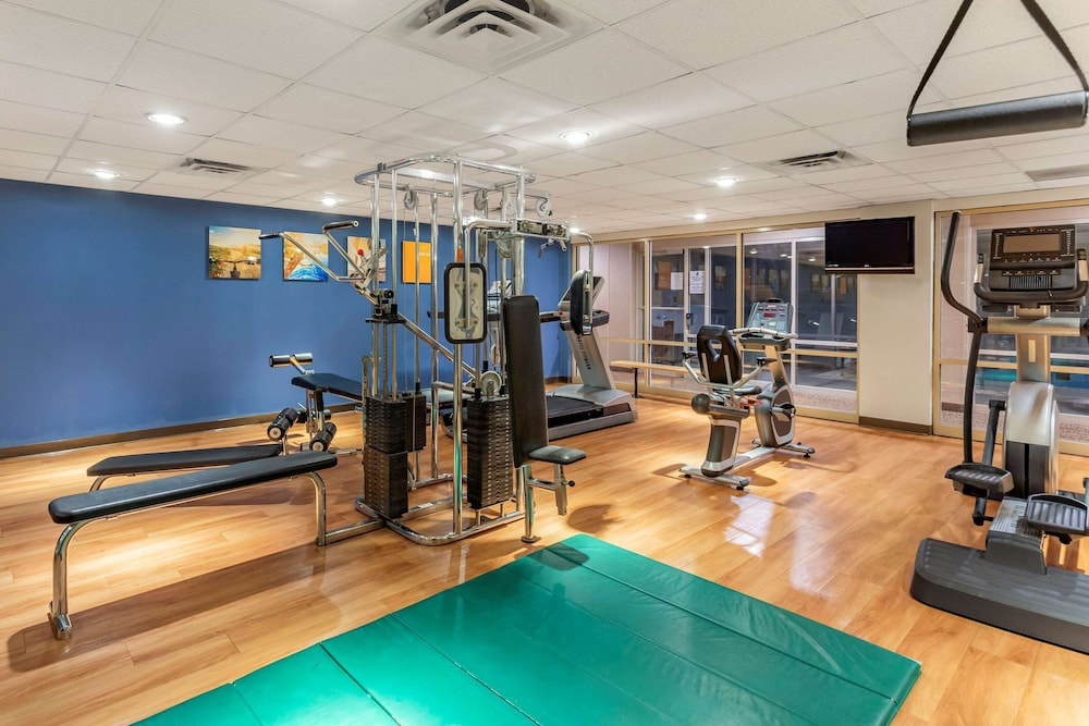 Fitness Facility, Comfort Suites Oakbrook Terrace near Oakbrook Center