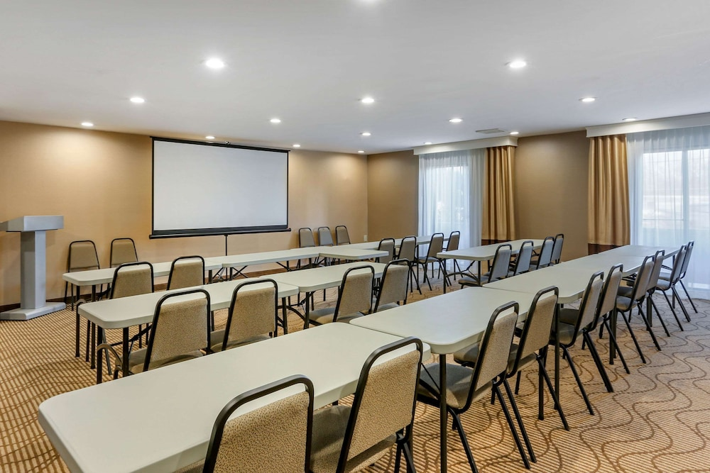 Meeting Facility, Comfort Suites Oakbrook Terrace near Oakbrook Center