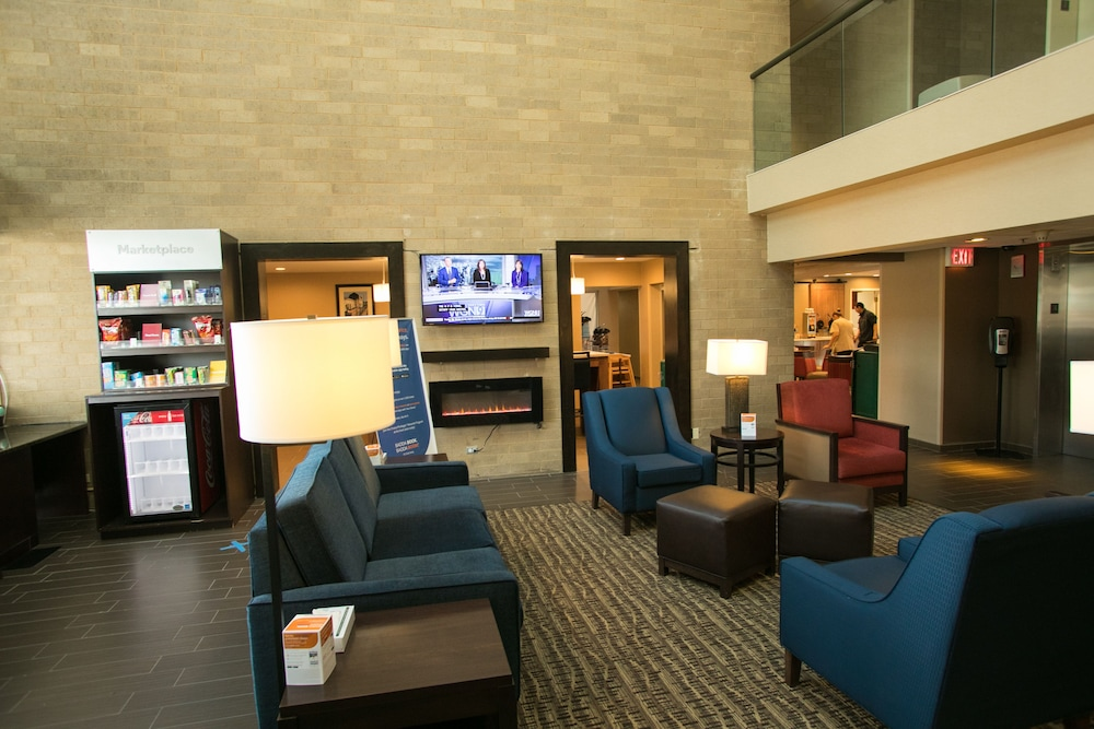 Lobby, Comfort Suites Oakbrook Terrace near Oakbrook Center