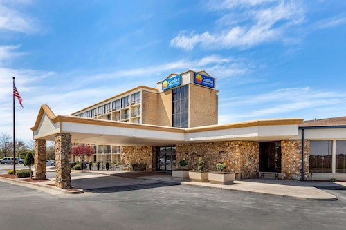 Comfort Inn & Suites near Danville Mall
