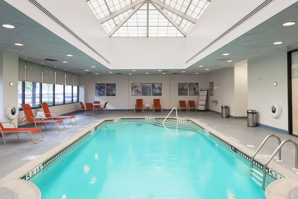 Indoor Pool, Sheraton Lincoln Harbor Hotel