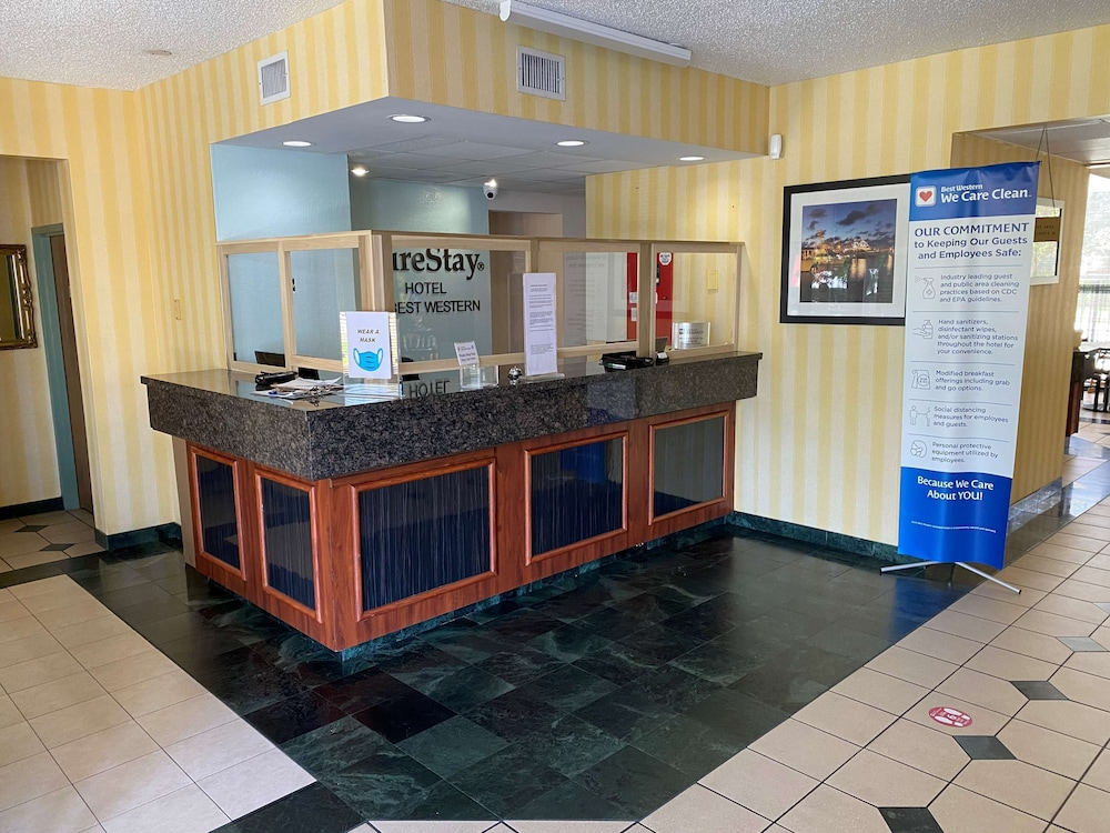 Reception, SureStay Hotel by Best Western Fort Pierce