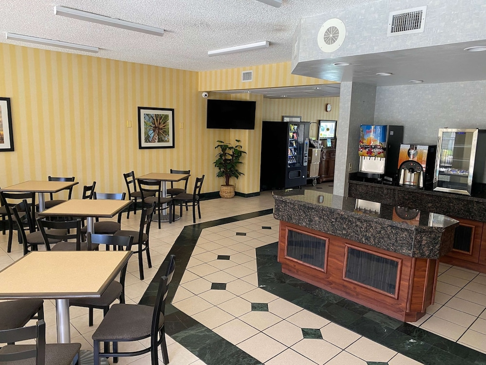Coffee Service, SureStay Hotel by Best Western Fort Pierce