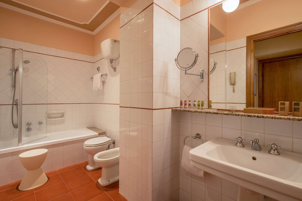 Bathroom, Hotel Canada, BW Premier Collection by Best Western