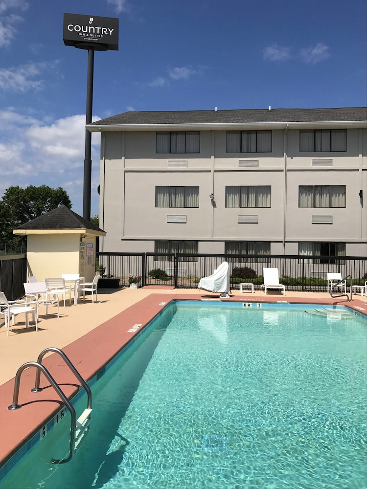 Outdoor Pool, Country Inn & Suites by Radisson, Abingdon, VA