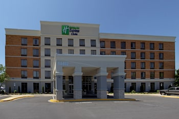 Holiday Inn Express Hotel and Suites Laurel