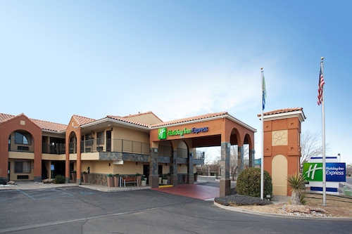 Great Place to stay Holiday Inn Express I40 and Eubank near Albuquerque