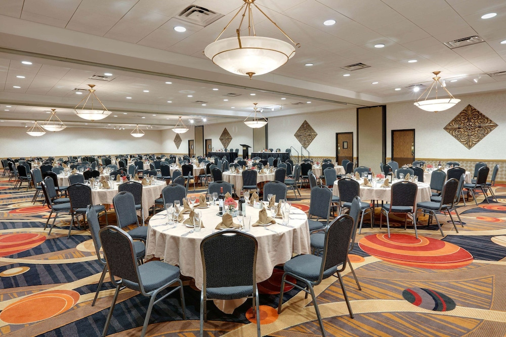 Ballroom, Wyndham Riverfront Little Rock