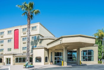 Ramada West Sacramento Hotel and Suites