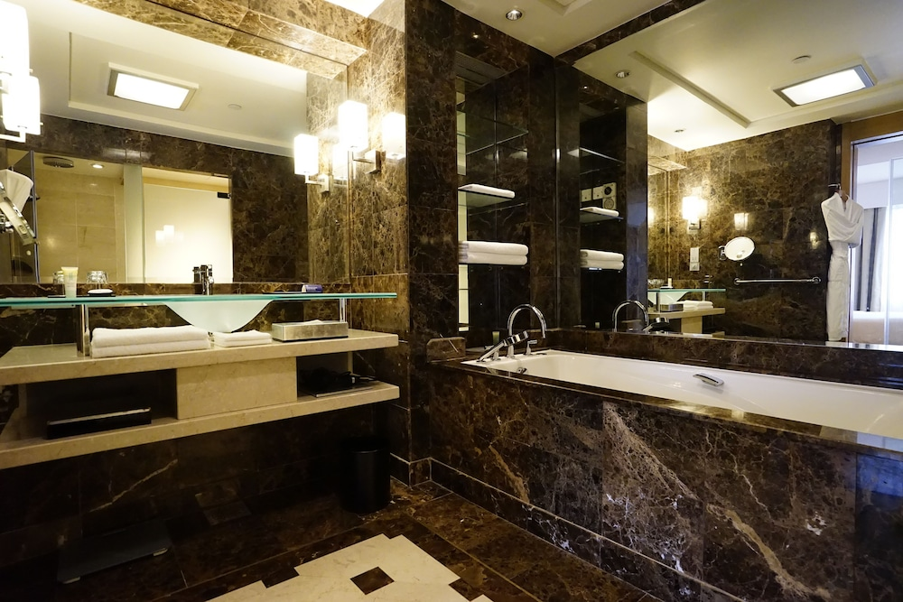 Bathroom, Grand Hyatt Singapore