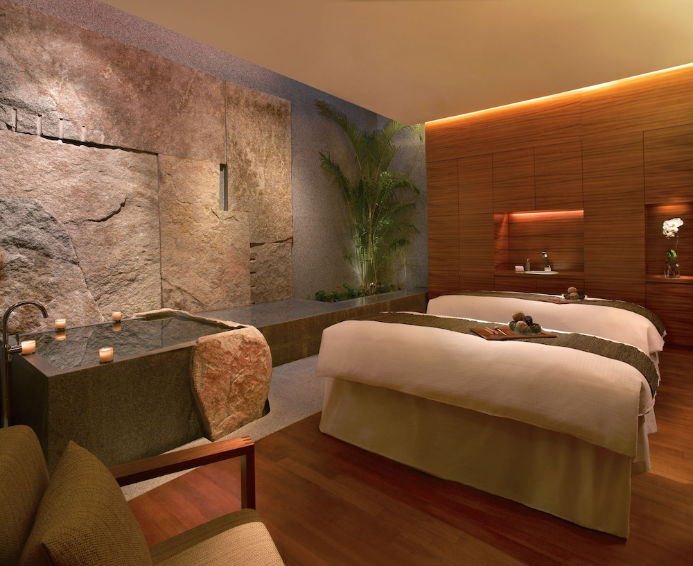 Treatment Room, Grand Hyatt Singapore