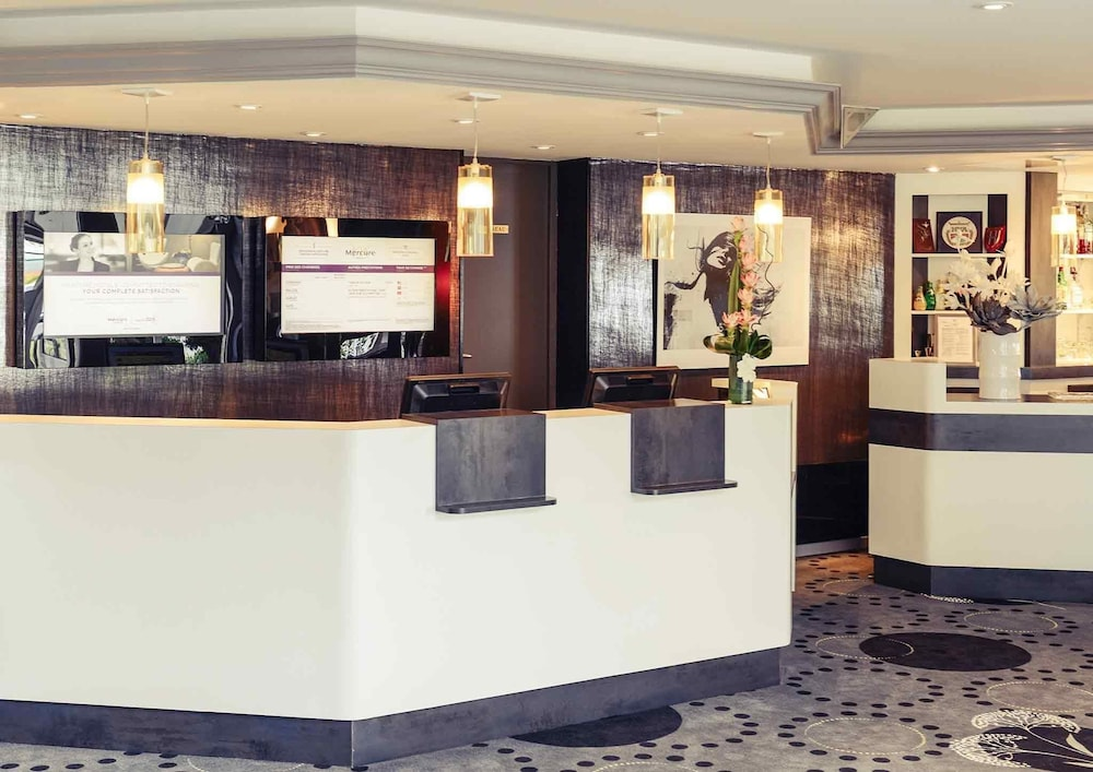 Mercure cabourg hippodrome baie de seine france expedia for Chambre hote cabourg