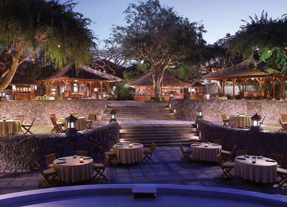 Outdoor Dining, Grand Hyatt Bali