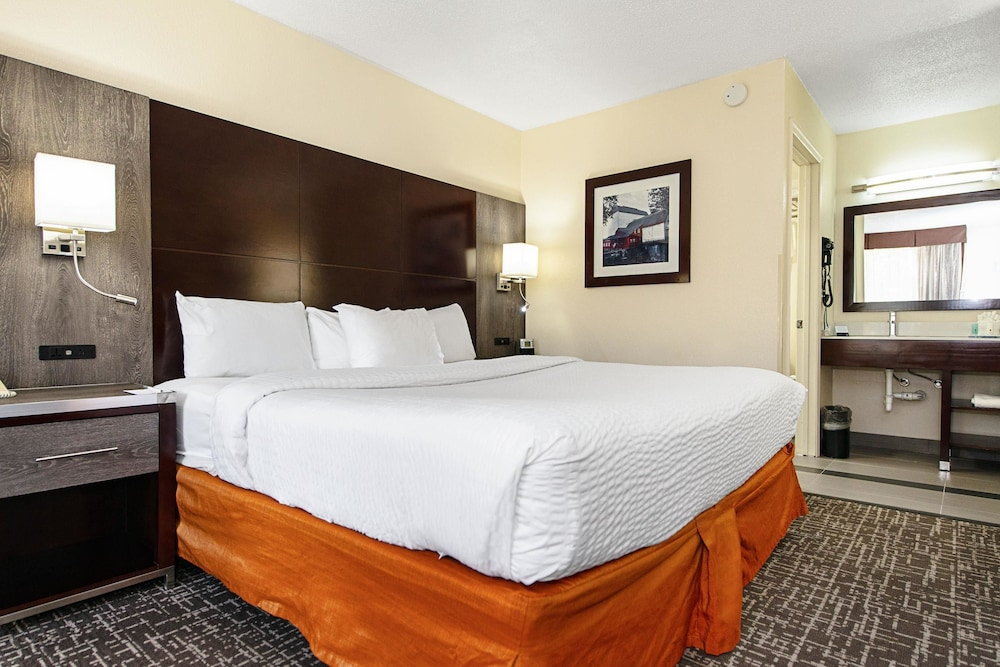 Room, Clarion Inn & Suites New Hope-Lambertville