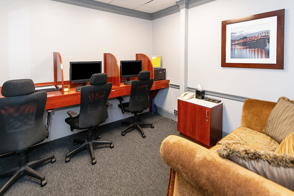 Business Center, Clarion Inn & Suites New Hope-Lambertville