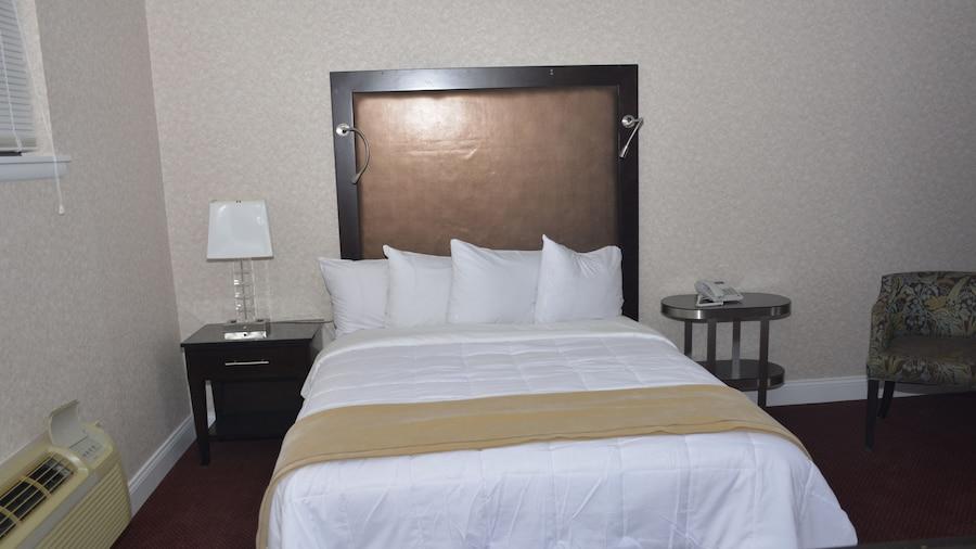 Atlantic Inn & Suites