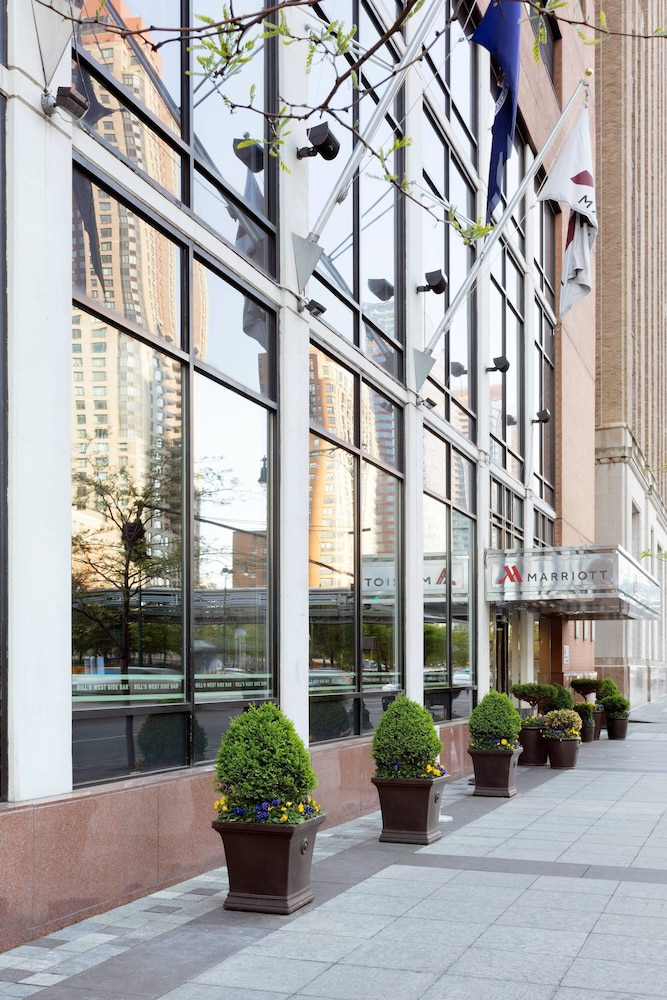 Exterior, New York Marriott Downtown