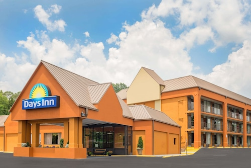 Days Inn by Wyndham Knoxville East