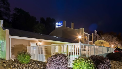 Great Place to stay Best Western Rivertown Hotel & Suites near Red Wing
