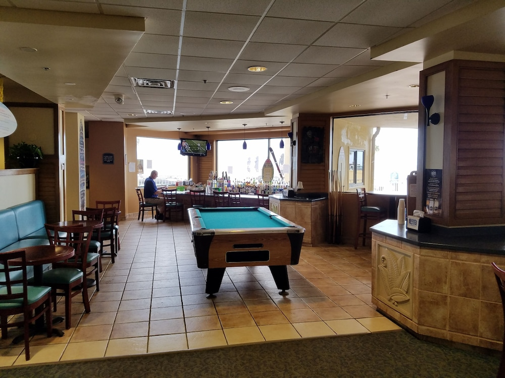 Billiards, Ocean Breeze Club Hotel