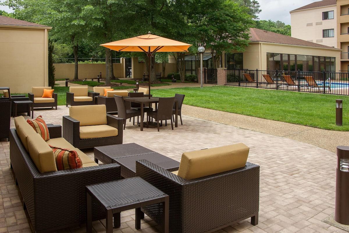 86c207e6 - Courtyard Williamsburg Busch Gardens Area Reviews