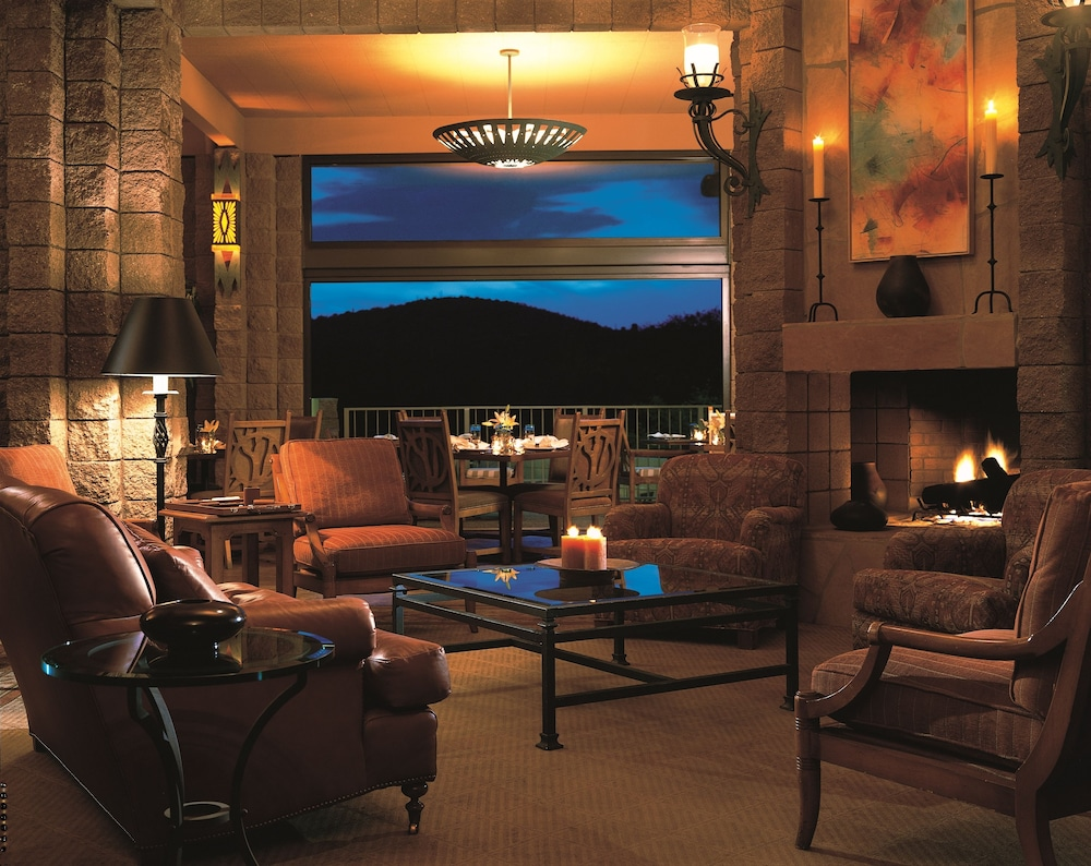 Lounge, Loews Ventana Canyon Resort