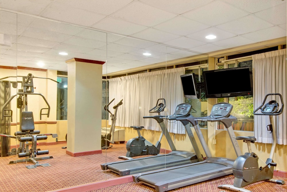 Fitness Facility, Days Inn by Wyndham Towson
