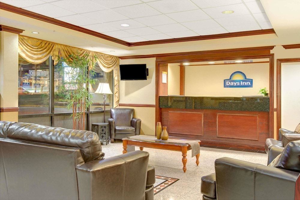Lobby, Days Inn by Wyndham Towson