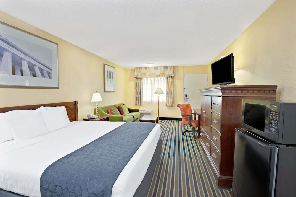 Room, Days Inn by Wyndham Towson