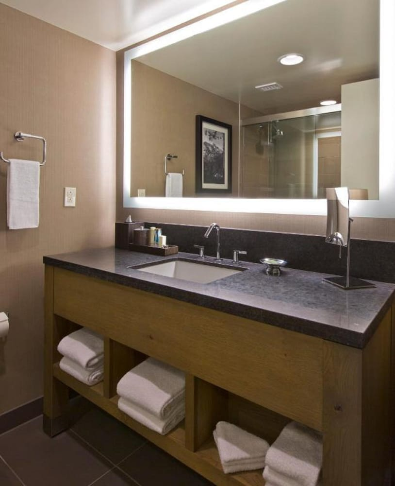 Bathroom, Hyatt Regency Lake Tahoe Resort, Spa and Casino