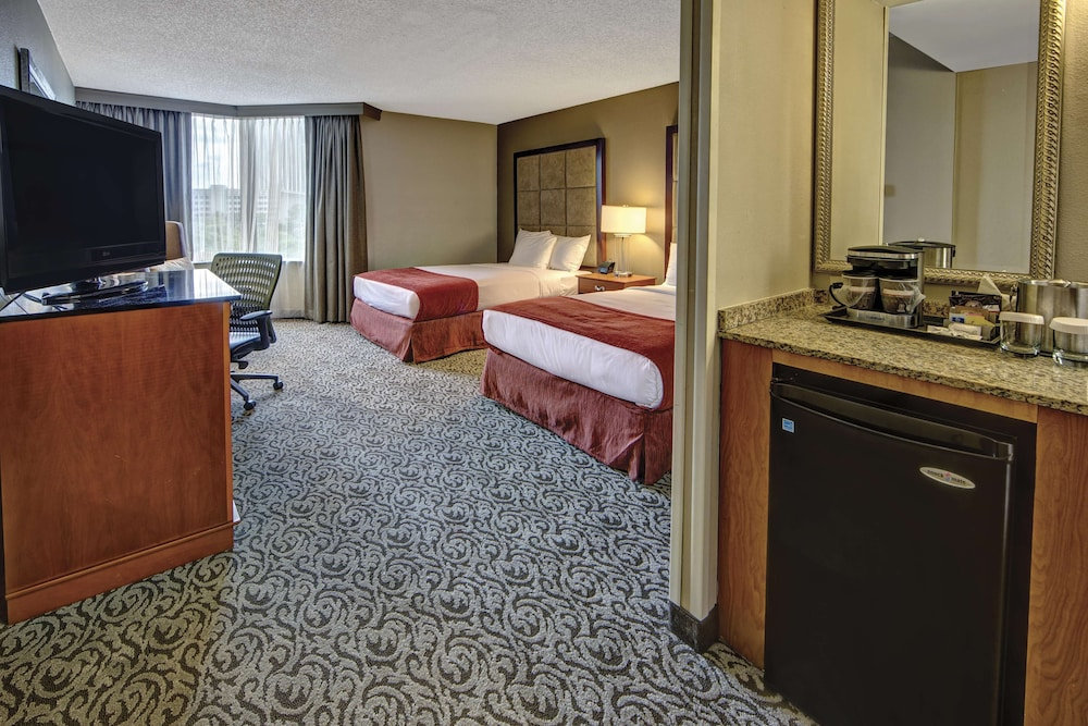 Room, DoubleTree by Hilton Hotel Memphis
