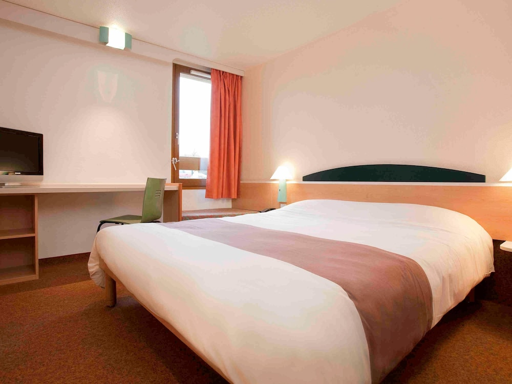 Oise Room Reservation