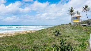 Private beach nearby, beach towels