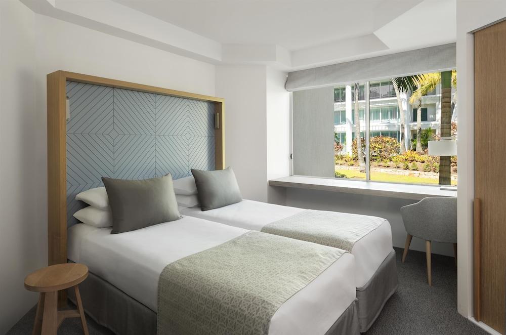 Sheraton Mirage Resort Spa Gold Coast Surfers Paradise 71 Seaworld Main Beach 4217